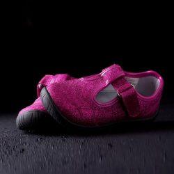 Flexible Materialien für Schuhsohlen + Schuhwerk